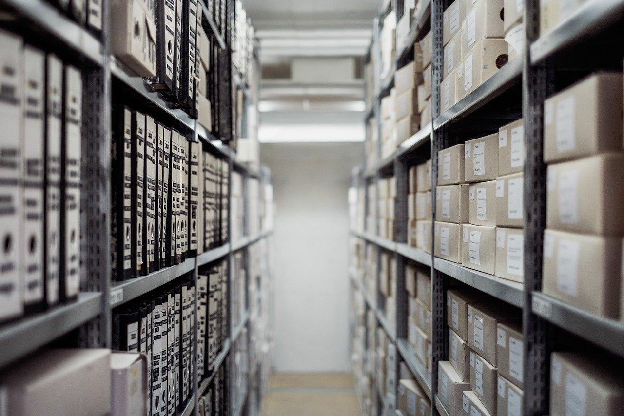 Feelt et eis un Archivisten?